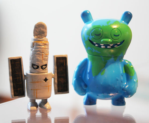 Josh Herbolsheimer - Ugly Earth and Boss Hubble - Remix Figure