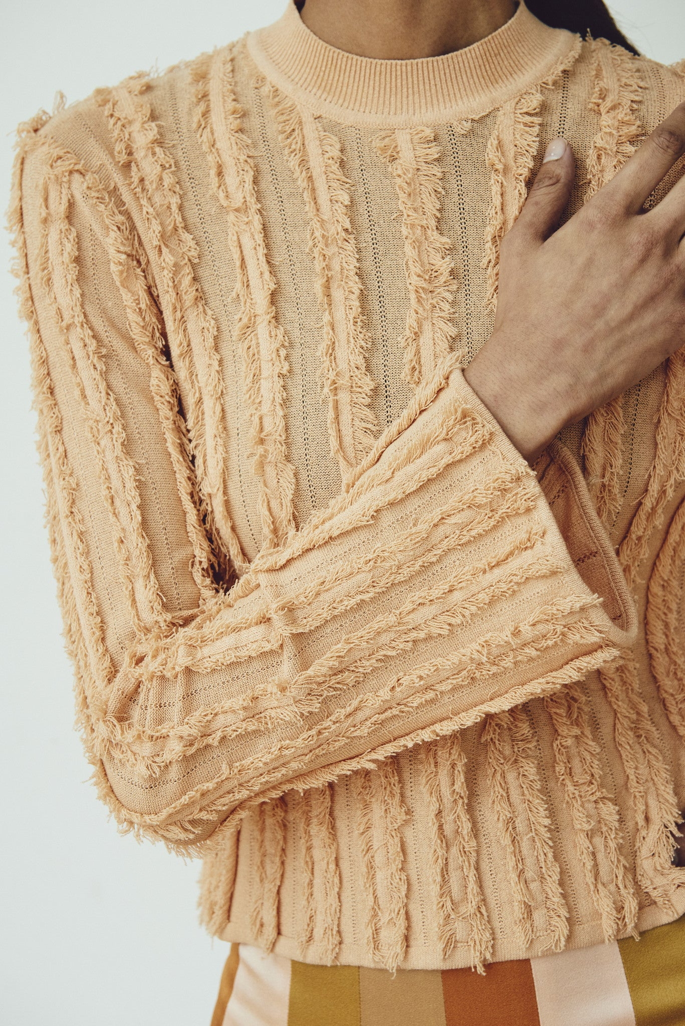 STRETCH VISCOSE FRINGE PULLOVER