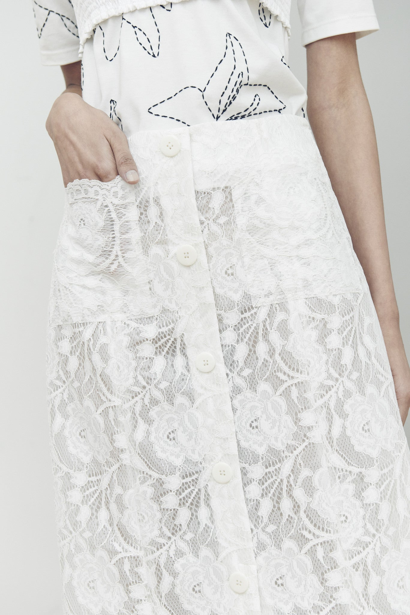 COATED LACE MIDI SKIRT