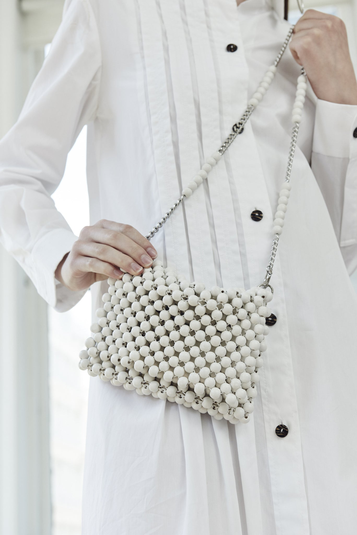 BEADED CLUTCH WITH CHAIN