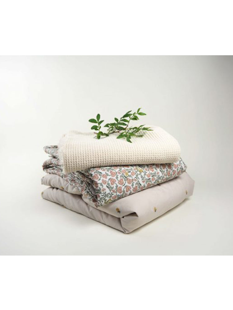 GARBO & FRIENDS Floral Vine Blanket