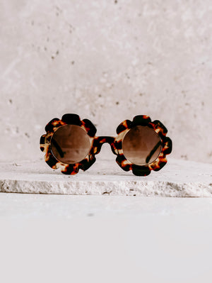 Load image into Gallery viewer, ELLE PORTE Daisy Sunglasses - Tortoise
