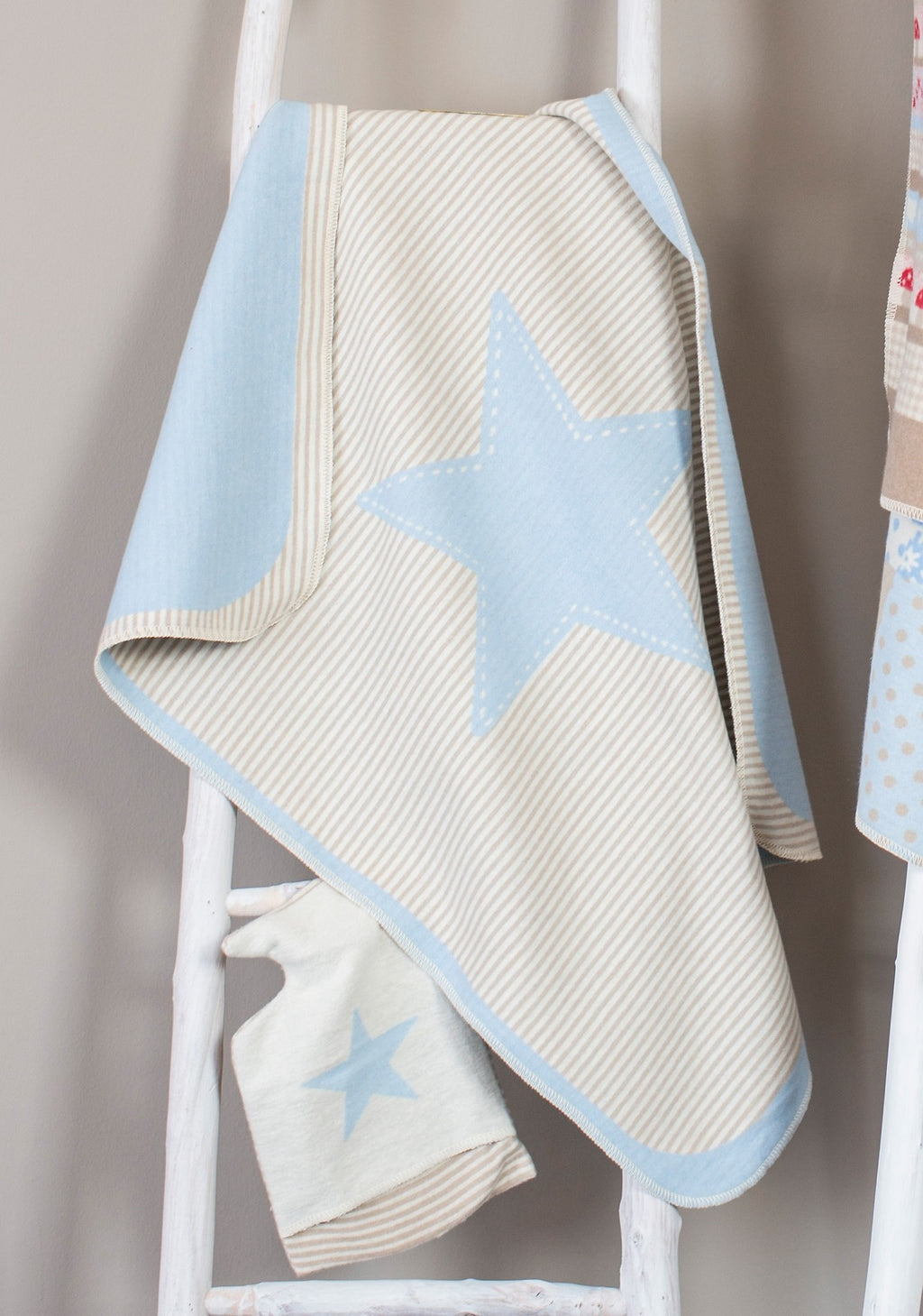 David Fussenegger Bassinet Blanket 'Blue Star & Stripes'