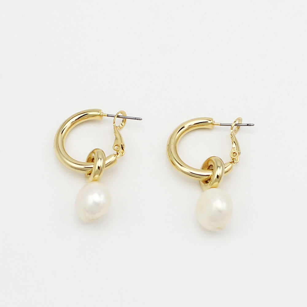 Taylor Pearl Earrings
