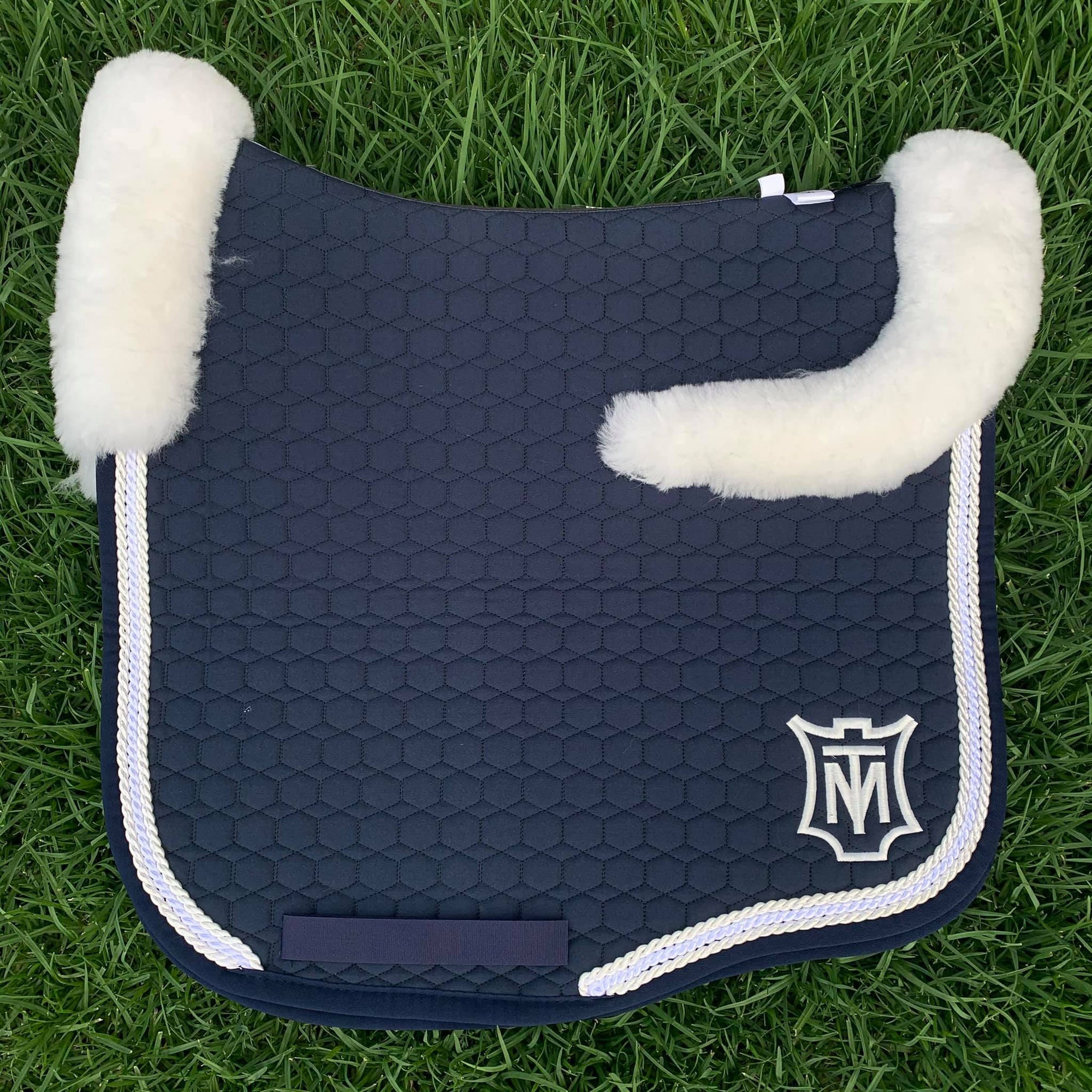 E.A Mattes Instock - M Size/Top Fleece - Navy with Pearl/White/Pearl (White fleece)