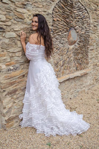 Wedding dresses to hire At cheap prices