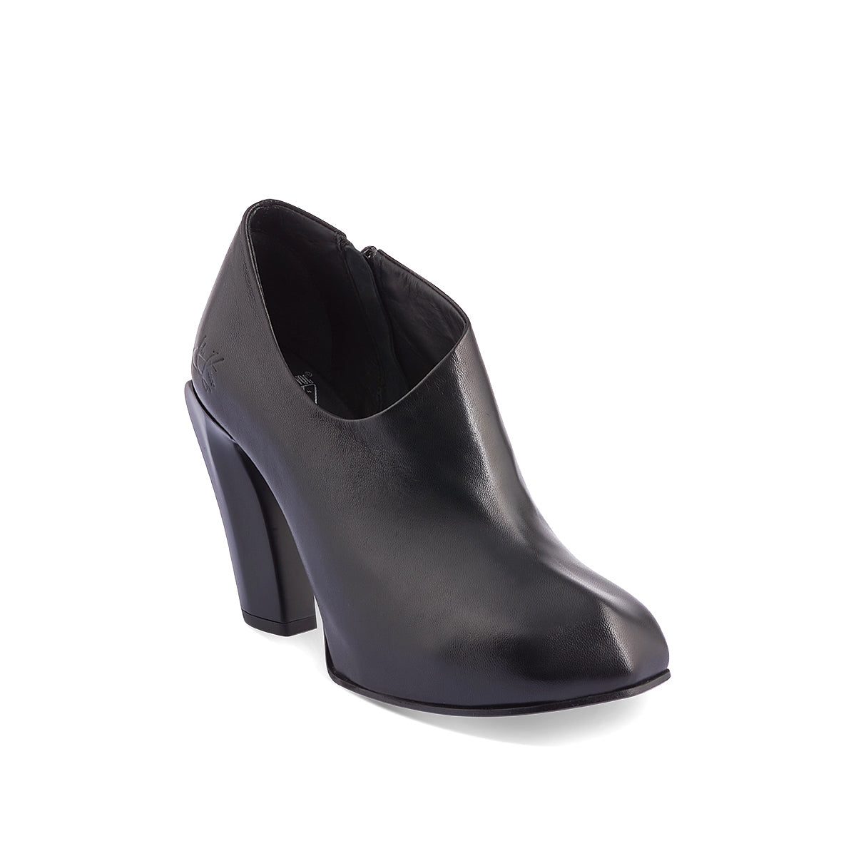 Designed with an asymmetric toe, the new Sable from John Fluevog has beautiful lines and a distinctively modern look. Sable has a concealed, leather-wrapped 2cm platform underfoot for extra stability, while the smooth leather upper embraces the foot and secures with a subtle inner zip.
