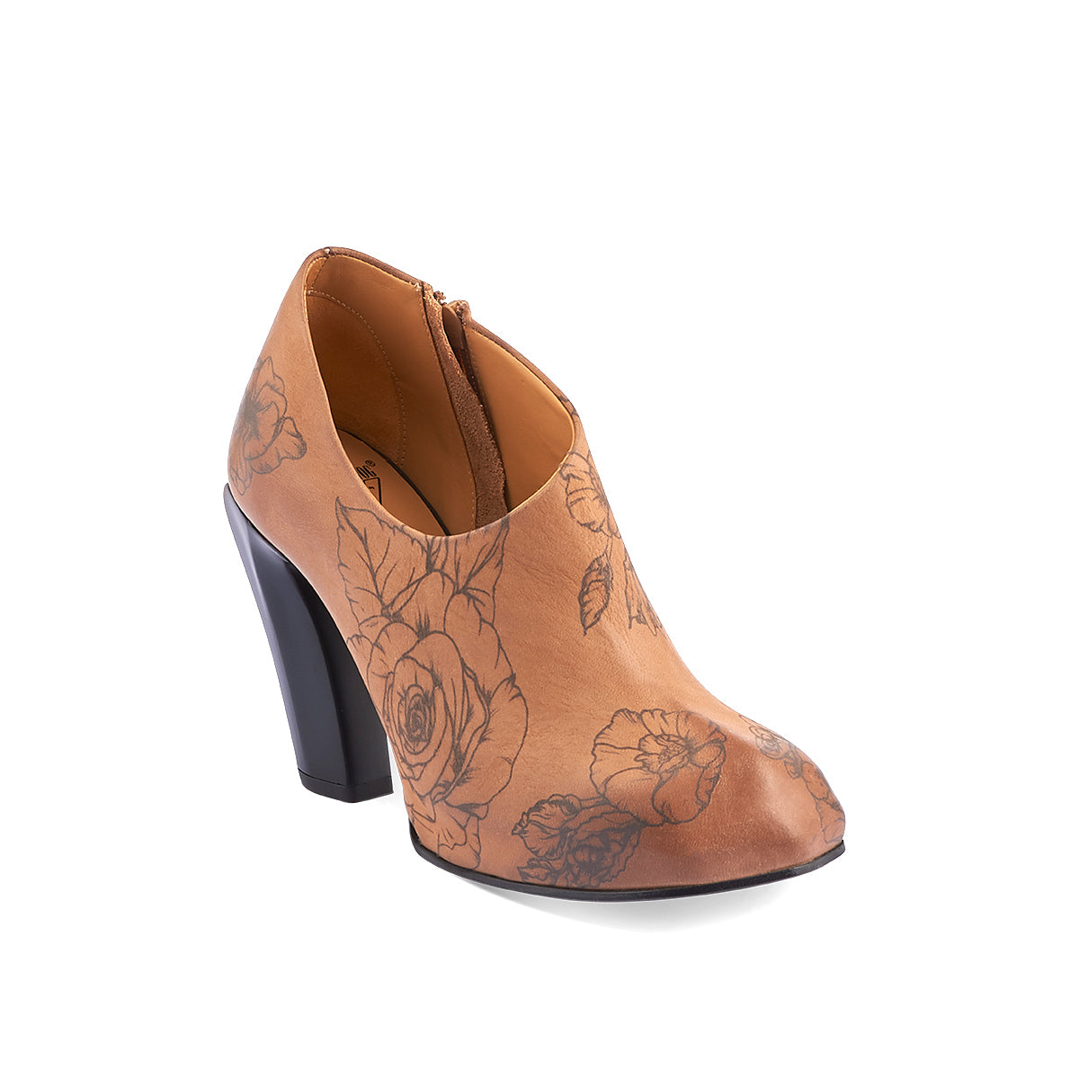 Designed with an asymmetric toe, the new Sable from John Fluevog has beautiful lines and a distinctively modern look. Sable has a concealed, leather-wrapped 2cm platform underfoot for extra stability, while the smooth printed leather upper embraces the foot and secures with a subtle inner zip.