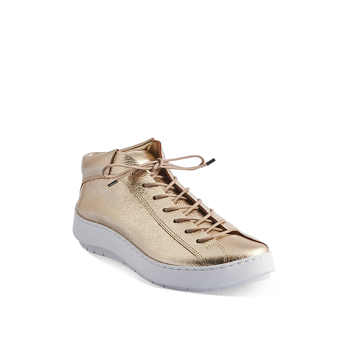 A new luxe trainer by Trippen, Hop is handcrafted on the super-comfy 'swan' sole and has a contoured leather insole for additional support. The veg-tanned leather upper is unlined and beautifully hugs the foot, while the sport-style lacing allows for an adjustable fit through the width.