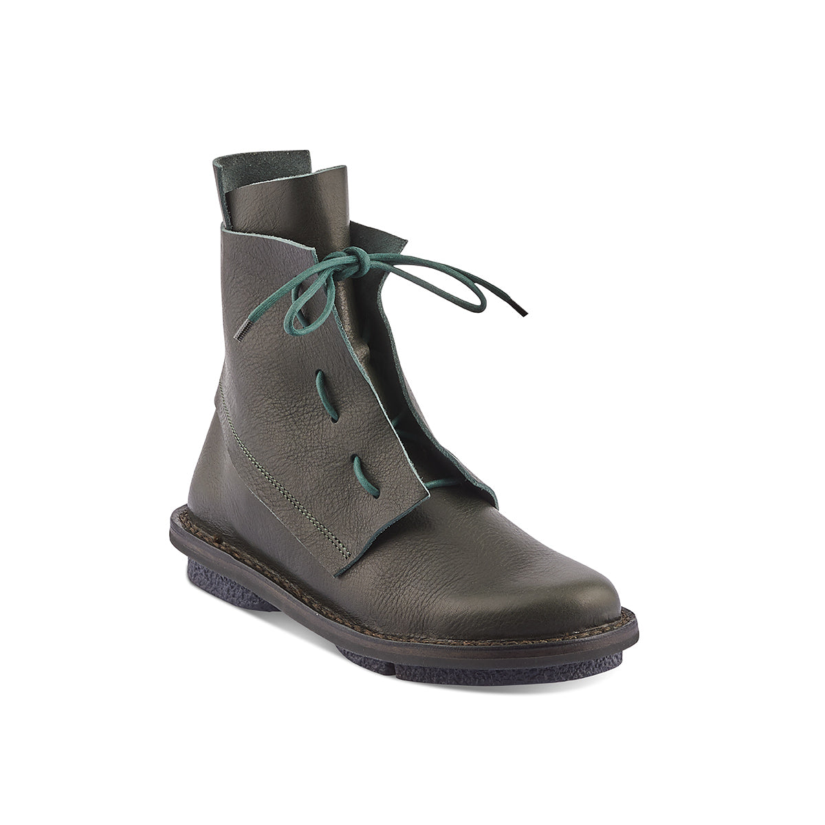 In a gorgeous forest green leather, Solid is a roomy winter boot with playful lacing and a graphic silhouette. The 'closed' rubber sole is ideal for any wintery conditions and Trippen's trademark cork and suede footbed ensures support and comfort anywhere you tread.