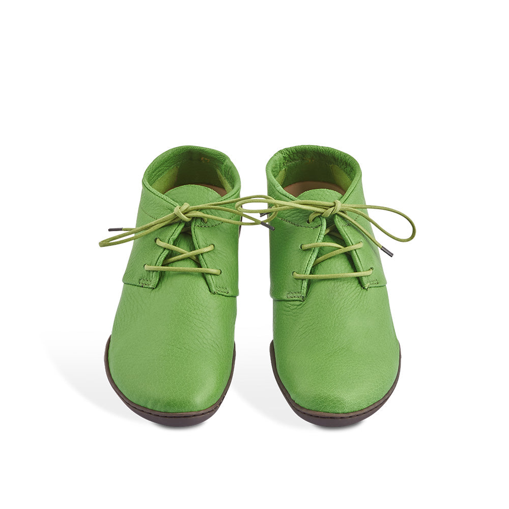Handcrafted in the softest unlined elk, Cosy is one of the most comfortable lace-ups you'll ever wear. Trippen's Cups sole creates a low-profile silhouette while the contoured leather insole provides ample support for summer-long comfort.