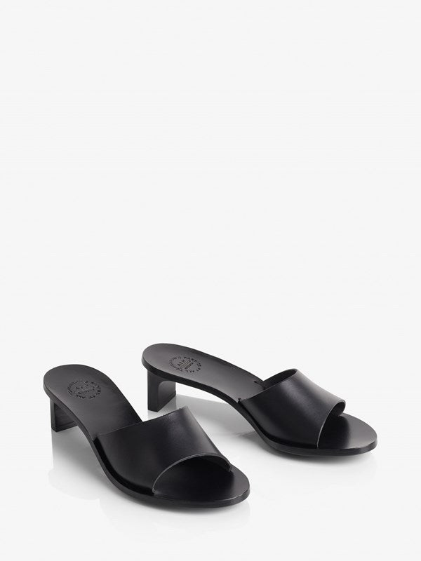 ATP Atelier Peonia Black Vacchetta Leather Sandals
