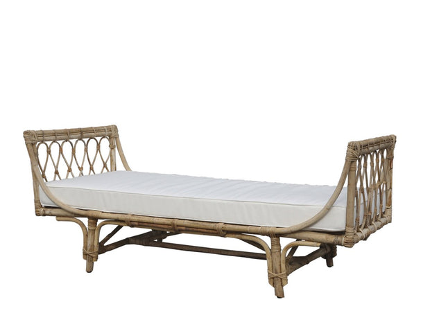 Rattan Daybed with Cushion