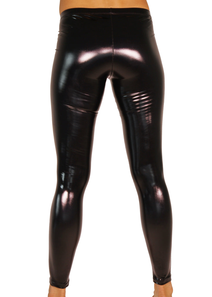 Vinyl leggings und high heels 8