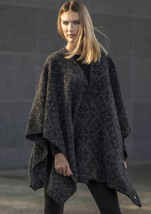 Dale of Norway - Rose Shawl - Black