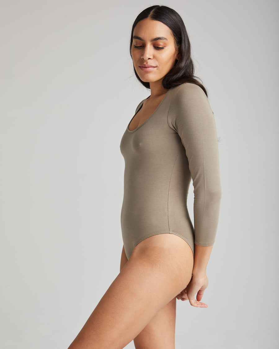 RICHER POORER - SCOOP NECK BODYSUIT - GRIS CHAUD