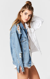 Carmar Denim: HARRISON AUDREY SPLICED OVERSIZED DENIM JACKET - JACKETS