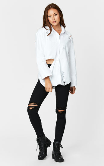 DISTRESSED FRONT SLIT SHIRT WITH GRINDING