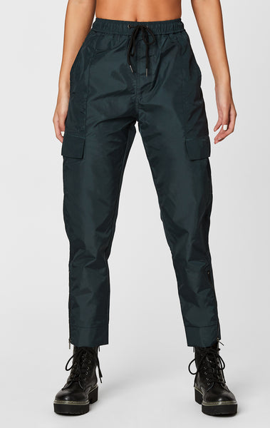 CARGO POCKET WINDBREAKER PANT