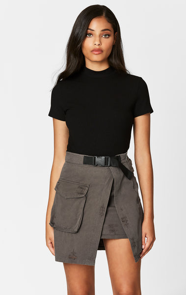 BIG CARGO POCKET ASYMMETRICAL BUCKLE SKIRT