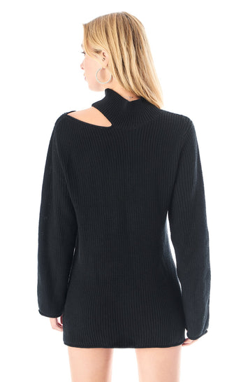 SLASHED TURTLENECK SWEATER