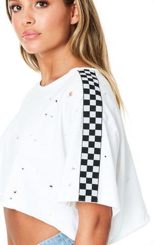 CHECKER TAPE STONEWASHED CROP TEE