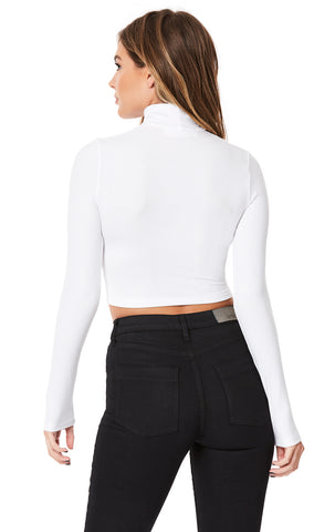 CUT OUT SQUARE TURTLENECK WITH RING