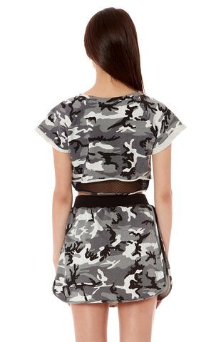 CAMO SHORT SLEEVE PULLOVER WITH NETTING CONTRAST