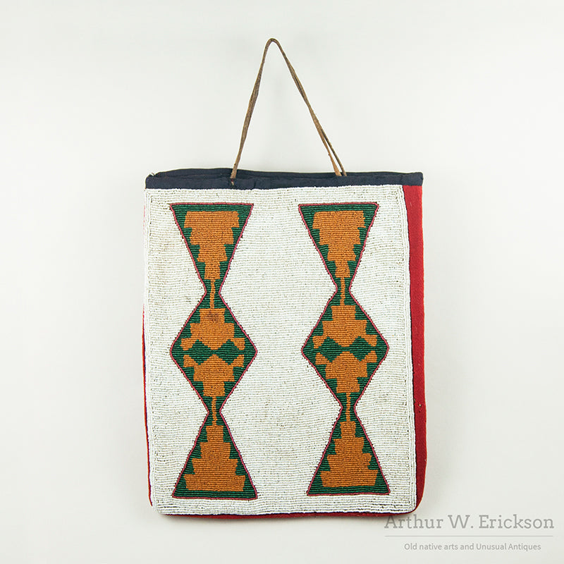 Beaded Plateau Geometric Flat Bag