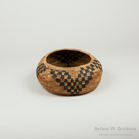 Three Rod Pomo Oval Basket