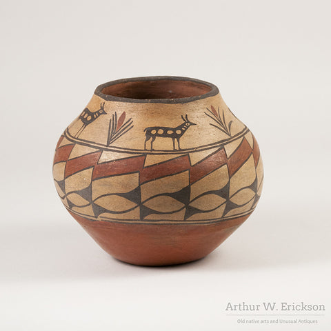 Zia Olla with Antelope and plant Design - Arthur W. Erickson - 2