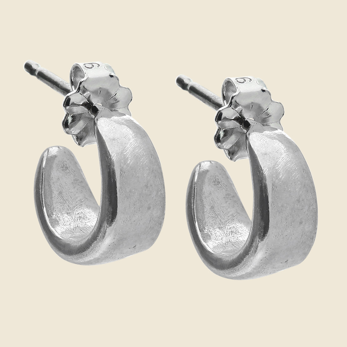 Amanda Hunt Cocoon Hoop Earrings - Silver
