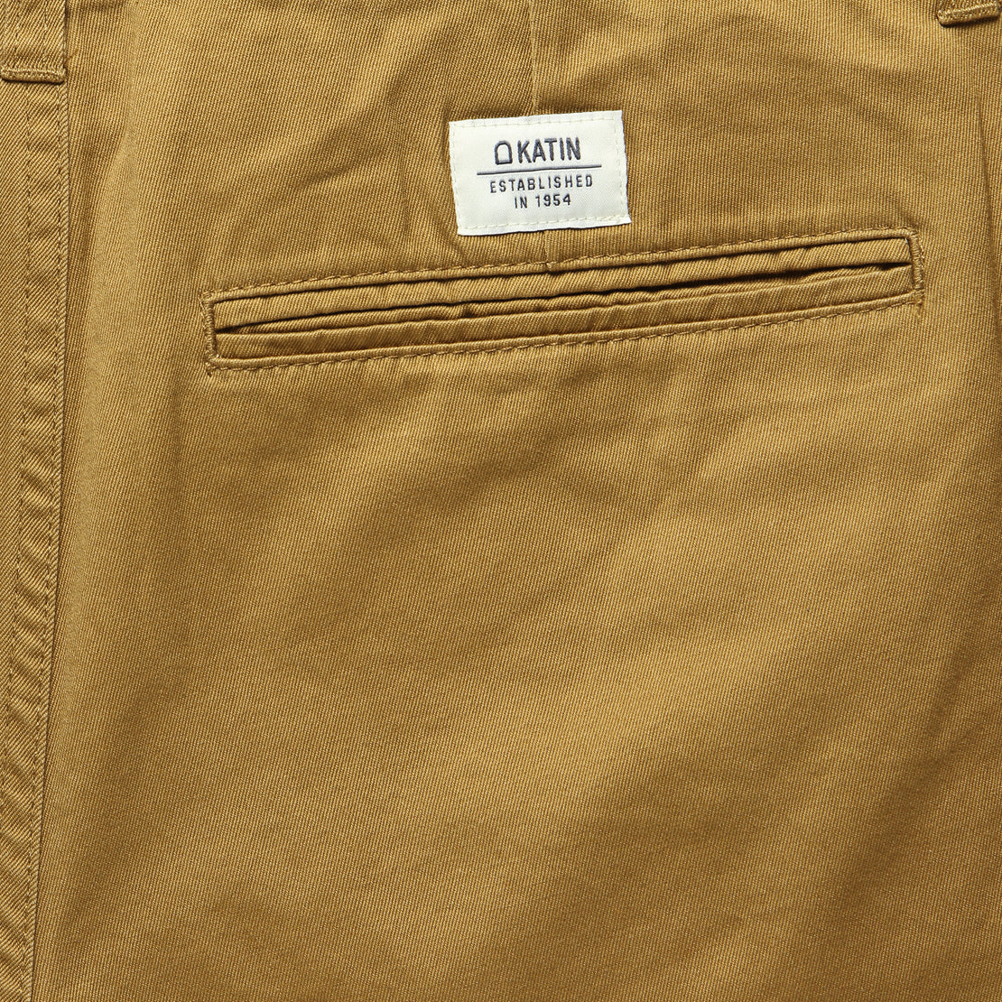 Cove Short - Walnut