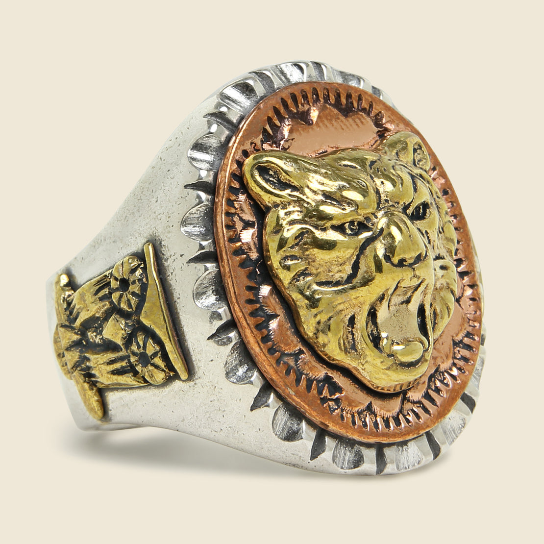 LHN Jewelry Strength & Wisdom Souvenir Ring - Silver/Brass