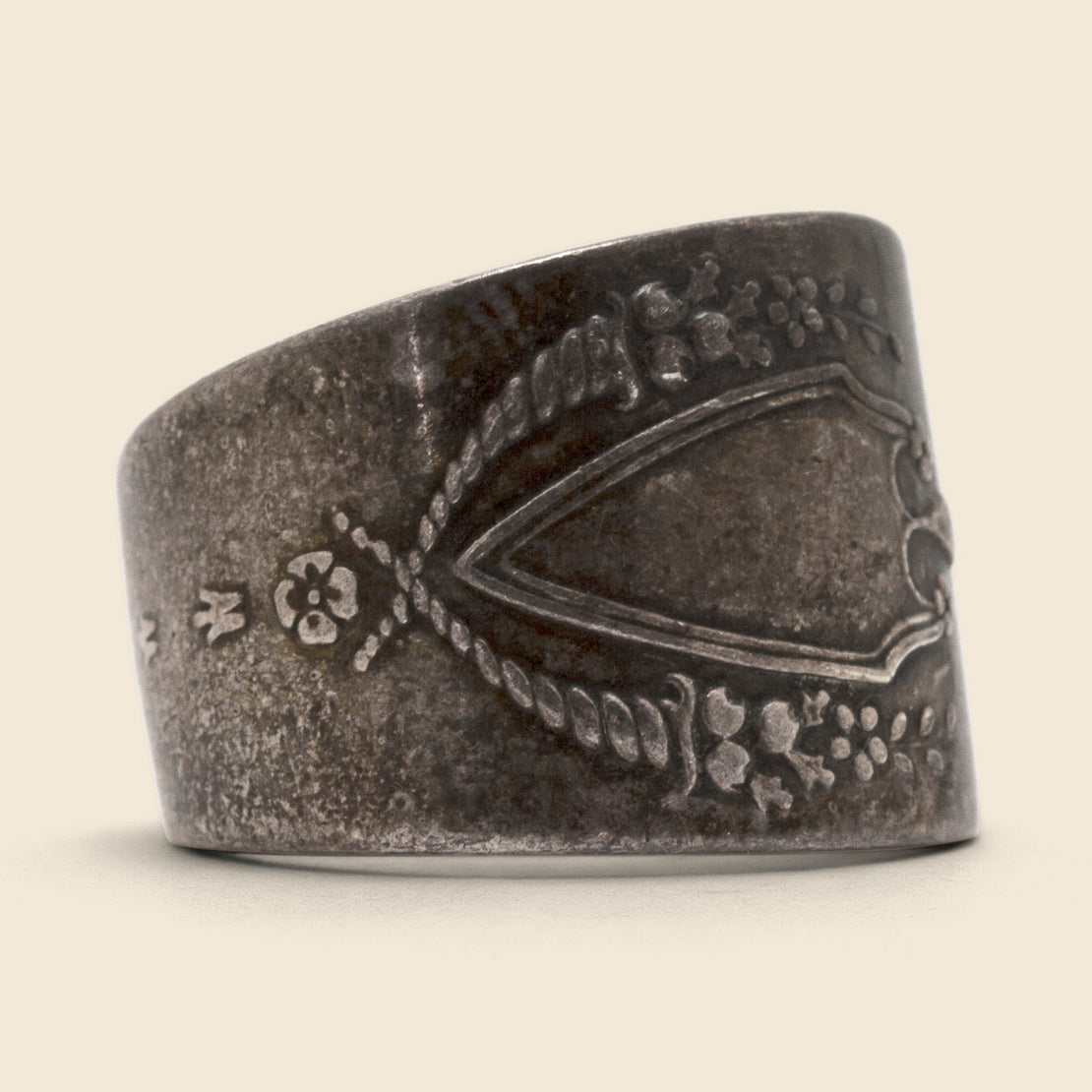 Vintage Shield Spoon Ring - Silver