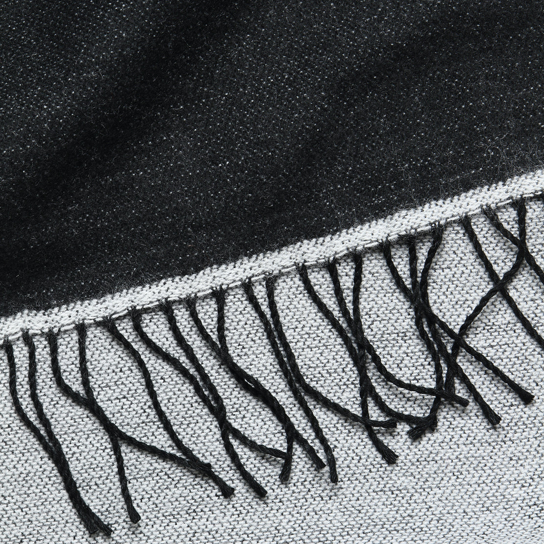 Double-Sided Scarf - White/Black