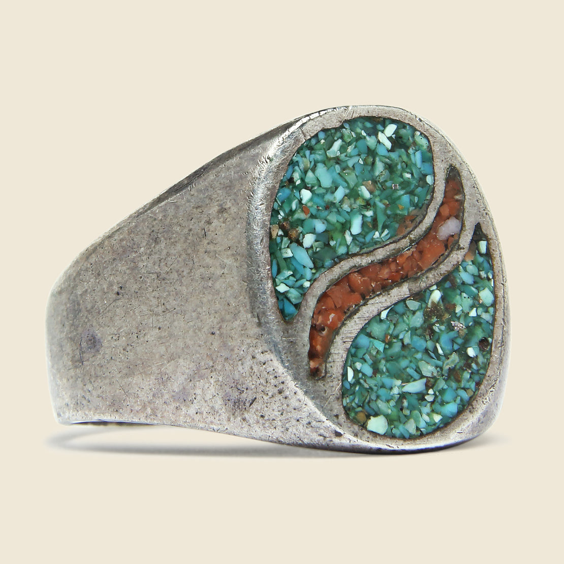 Vintage Sterling Silver Crushed Turquoise & Coral Inlay Oval Wave Ring