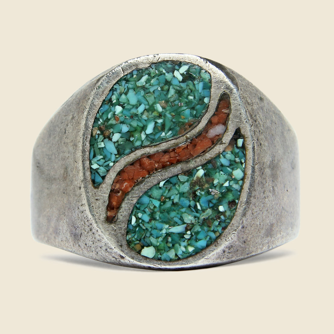 Sterling Silver Crushed Turquoise & Coral Inlay Oval Wave Ring - Vintage - STAG Provisions - Accessories - Rings