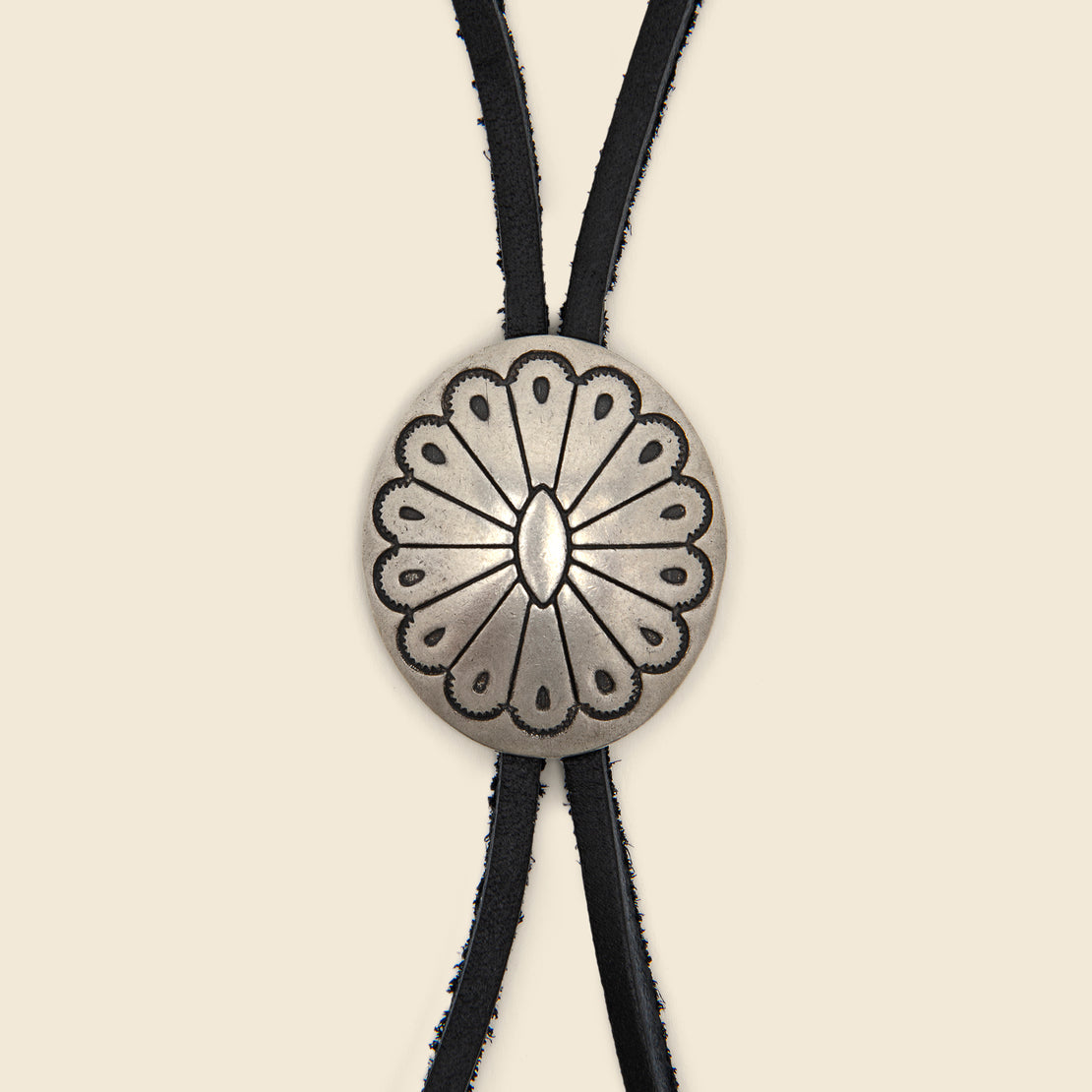 Leather Bolo Tie - Black/Flower Concho