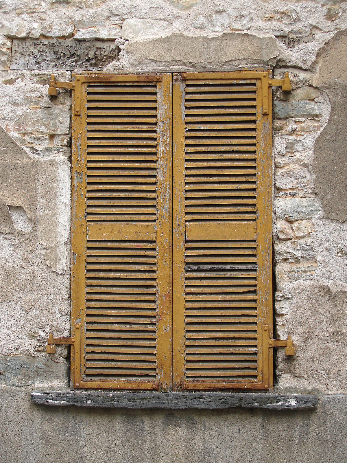 Butternut Shutters Photo Backdrop / 972 - DropPlace