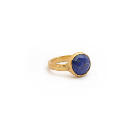 Lapis Circle Hammered Band Ring