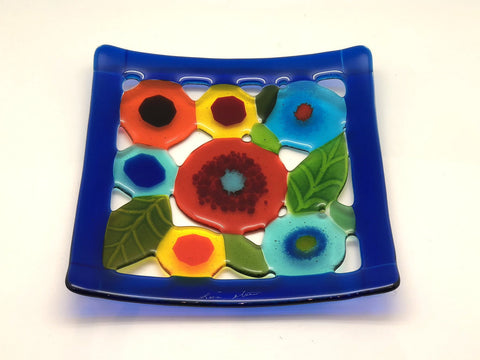 Spring Garden Plate with Blue Border
