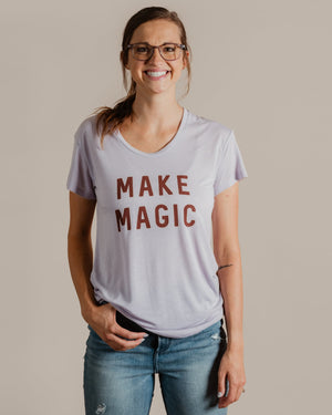 Make Magic Tee womens August Ink lavender mist XS