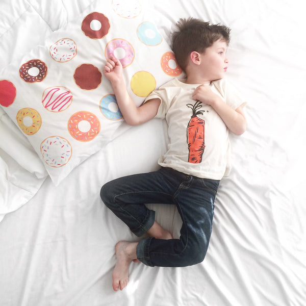 Donuts Standard Pillowcase (20 x 30)