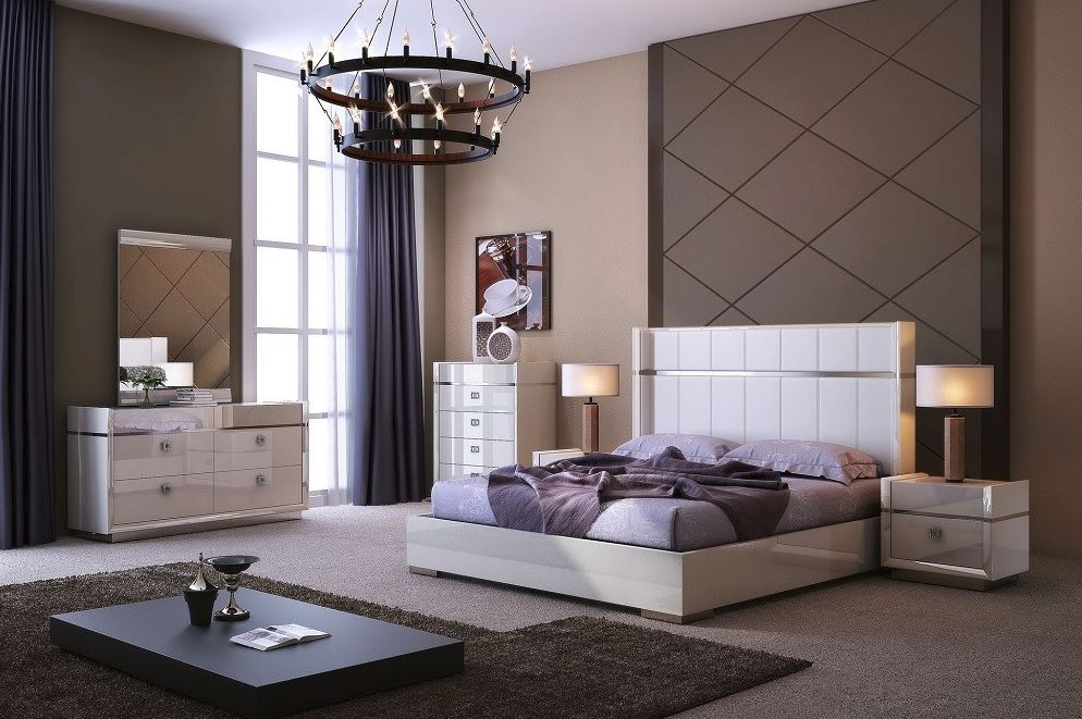 The Paris Modern bedroom  by J&M