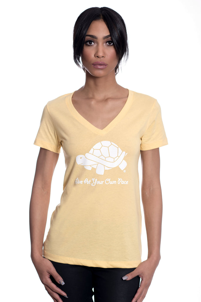 Turtle V-Neck - Banana Cream