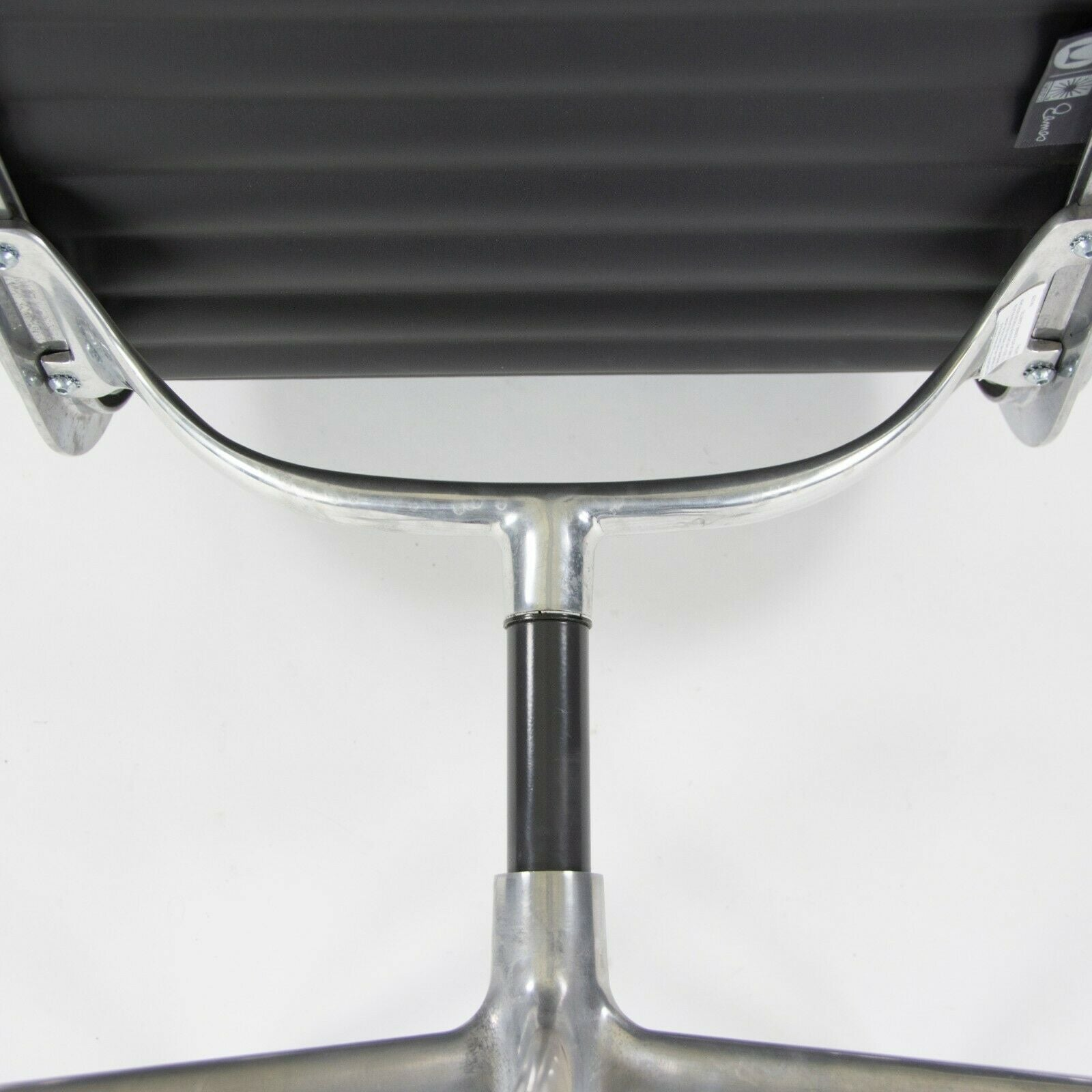 Herman Miller Eames Aluminum Group Management Armless Side / Desk Chair Black 4x Available