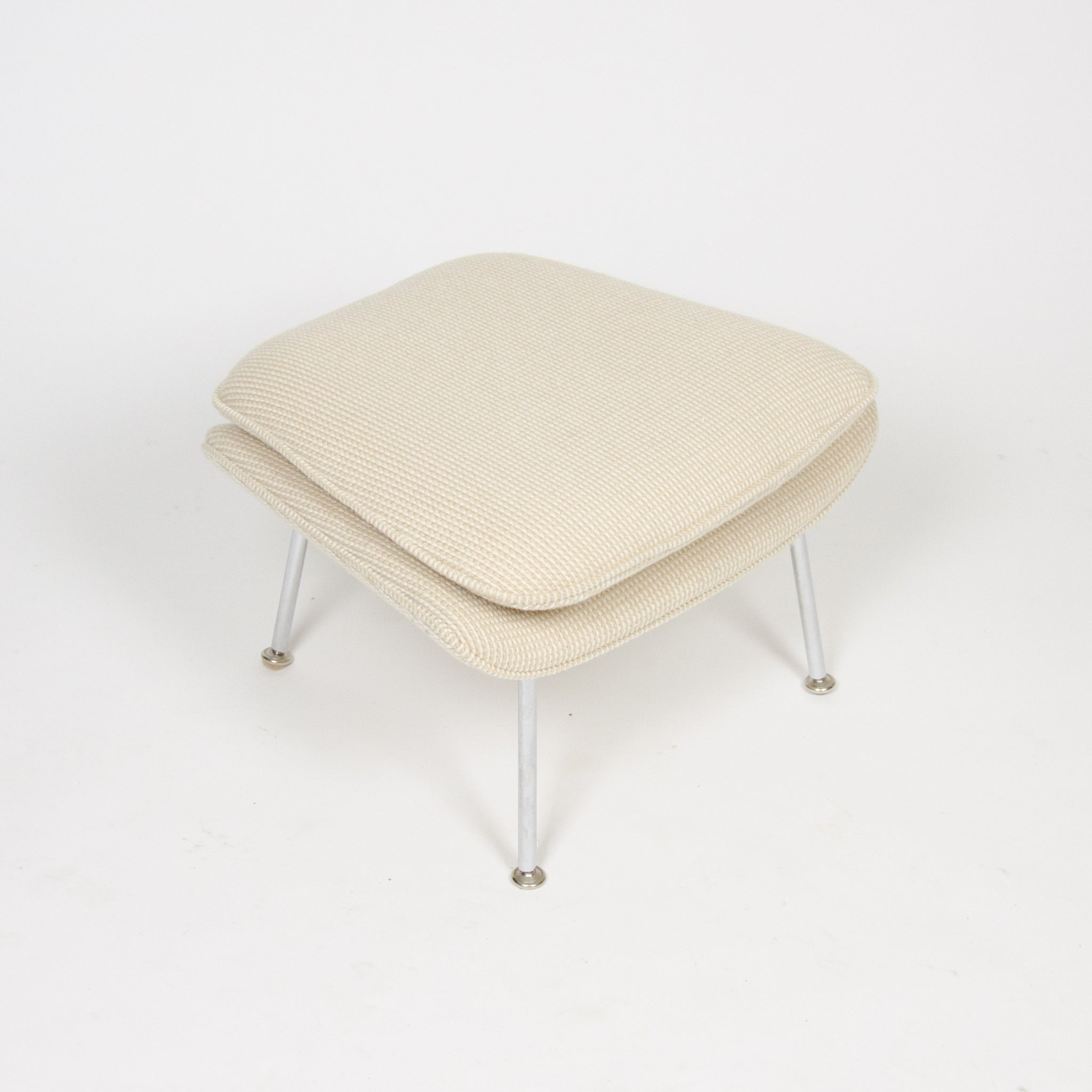 SOLD Eero Saarinen Womb Chair Knoll International Mid-Size Ivory Cato Fabric MINT!