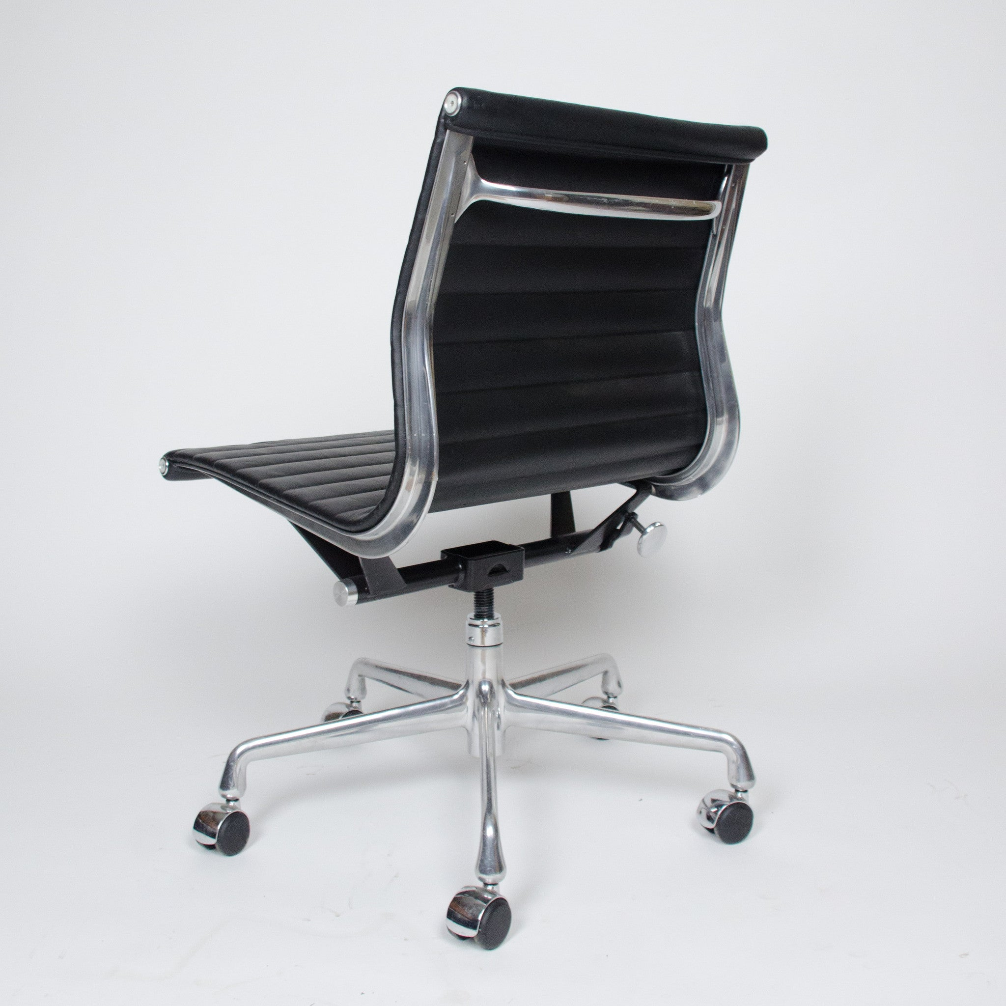 SOLD Eames Herman Miller Low Back Aluminum Group Chairs 2x