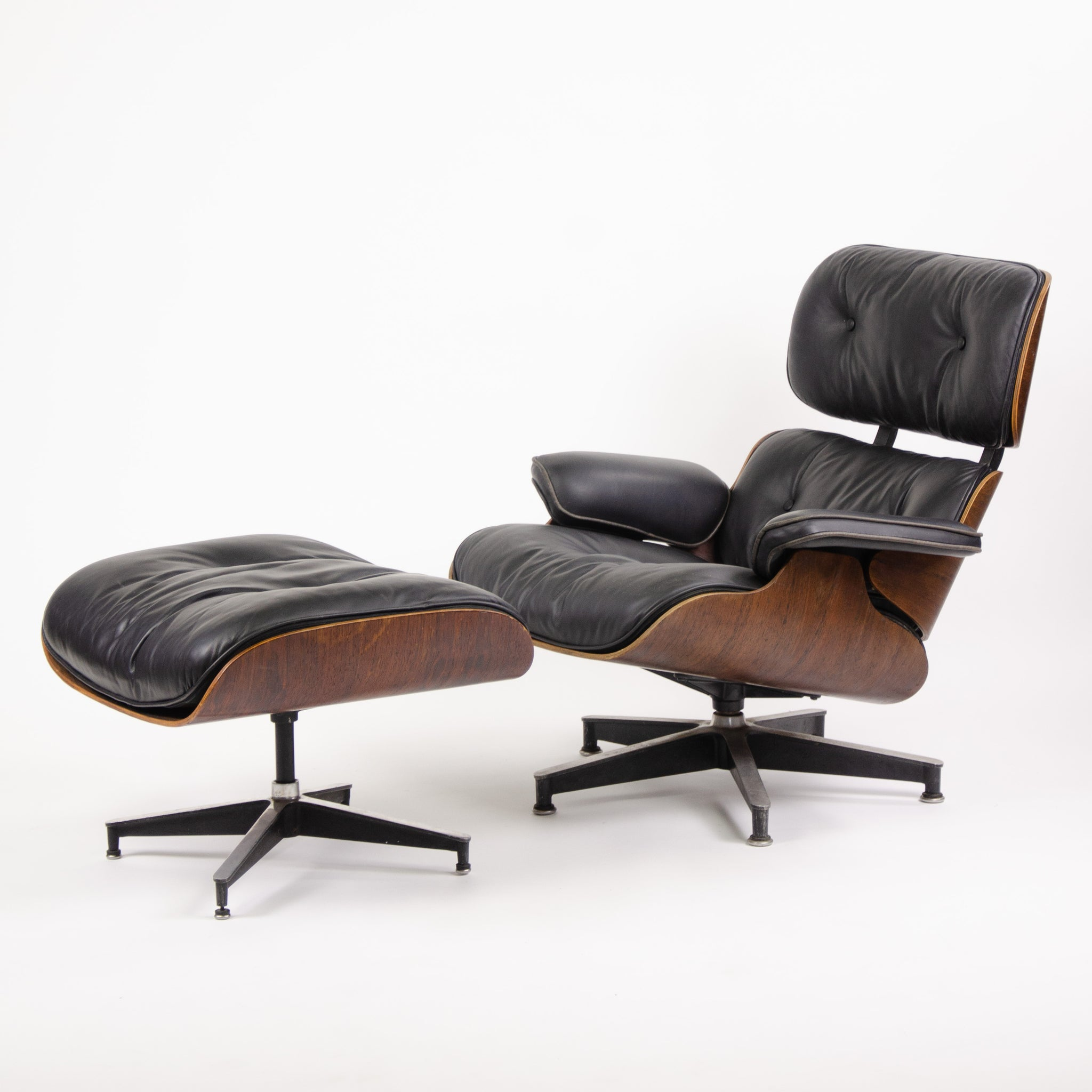 Outstanding Sold 1950S Herman Miller Eames Lounge Chair Ottoman Dailytribune Chair Design For Home Dailytribuneorg